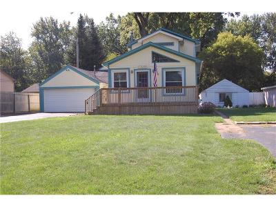 Livonia Single Family Home For Sale: 33989 Orangelawn Street