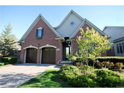 West Bloomfield, West Bloomfield Twp Condo/Townhouse For Sale: 5614 Pembrooke