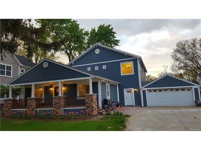 Royal Oak Single Family Home For Sale: 425 Detroit Avenue
