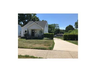 Clawson Single Family Home For Sale: 320 Walper Avenue