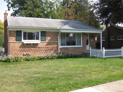 Livonia Single Family Home For Sale: 11078 Karen Street