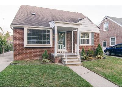 Dearborn Heights Single Family Home For Sale: 25485 Oakland Drive