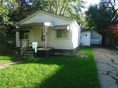 Hazel Park Single Family Home For Sale: 352 E Maxlow Avenue