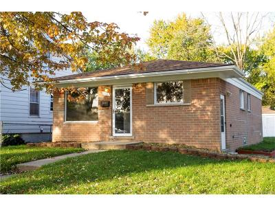 Dearborn Heights Single Family Home For Sale: 4902 Williams Street