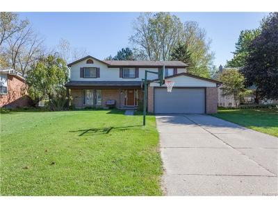 Rochester Hills Single Family Home For Sale: 760 Dartmouth Drive