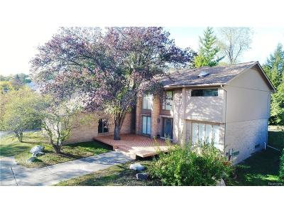 West Bloomfield Twp MI Single Family Home For Sale: $624,900