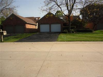 Farmington Hills Condo/Townhouse For Sale: 30556 Ramblewood Club Drive