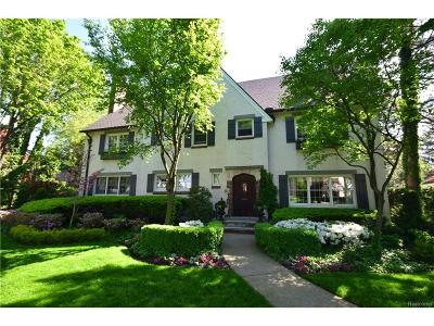 Grosse Pointe MI Single Family Home For Sale: $1,250,000