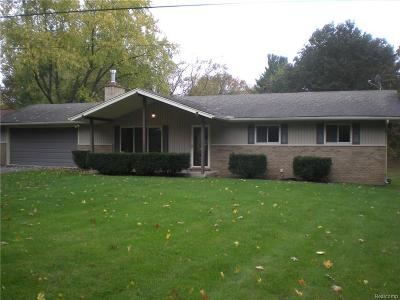 Lake Orion, Orion Twp, Clarkston, Independence Twp, Oxford Single Family Home For Sale: 199 Nakomis Trail