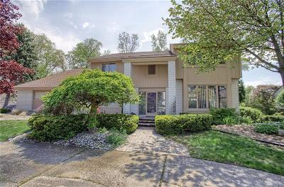 West Bloomfield Twp Single Family Home For Sale: 4165 Strathdale Lane