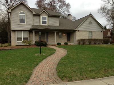 West Bloomfield Twp Single Family Home For Sale: 2993 Green Woods Court