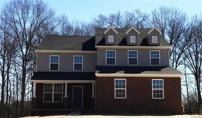 White Lake Single Family Home For Sale: 1327 Ridgefield Court