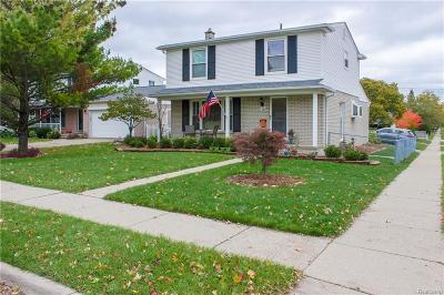 Clawson Single Family Home For Sale: 208 N Manitou Avenue
