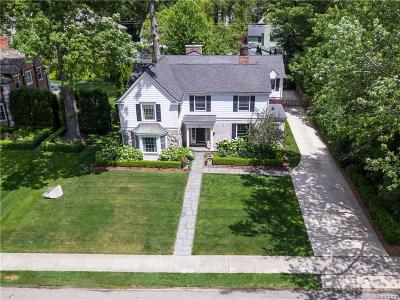 Bloomfield Twp Single Family Home For Sale: 600 Waddington Street
