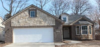 Livonia Single Family Home For Sale: 18451 Farmington Rd.
