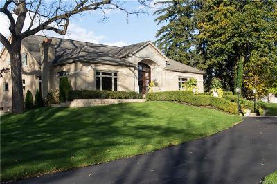 Bloomfield Twp Single Family Home For Sale: 680 W Long Lake Road
