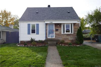 Ferndale Single Family Home For Sale: 1345 Nine Mile Road