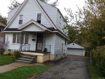 Pontiac Single Family Home For Sale: 188 Crystal Lake Drive