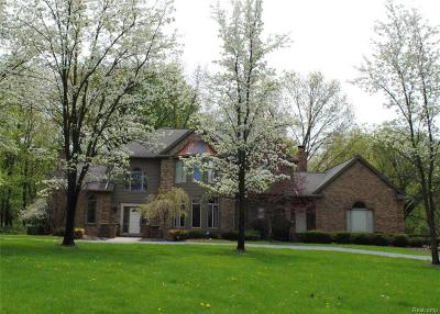 Milford Twp Single Family Home For Sale: 3141 Rolling Green Court