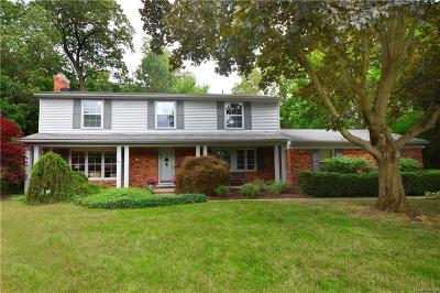 Bloomfield Twp Single Family Home For Sale: 5157 Nob Hill Court