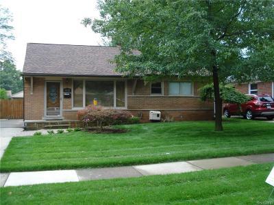 Royal Oak Single Family Home For Sale: 1612 Huron Avenue