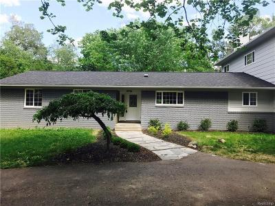 West Bloomfield, West Bloomfield Twp Single Family Home For Sale: 6241 Willow Court