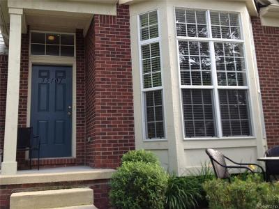 Commerce, Commerce Township, Commerce Twp Condo/Townhouse For Sale: 35101 Emma Circle #165L