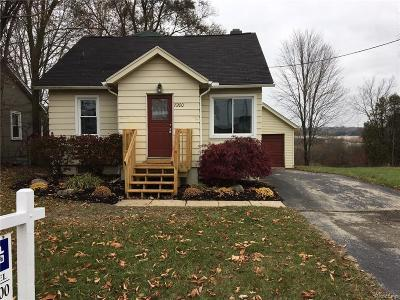 City Of The Vlg Of Clarkston, Clarkston, Independence, Independence Twp Single Family Home For Sale: 7200 Clement Road