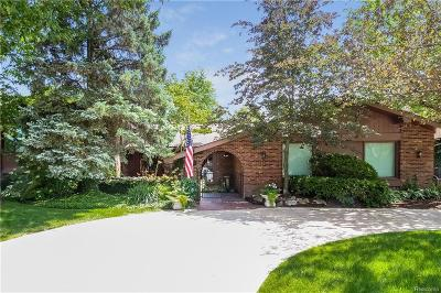 West Bloomfield, West Bloomfield Twp Single Family Home For Sale: 2179 Coach Way Court