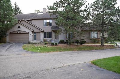 Farmington Hills Condo/Townhouse For Sale: 29687 Sierra Point Circle