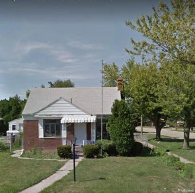 Eastpointe Single Family Home For Sale: 16861 Juliana Avenue