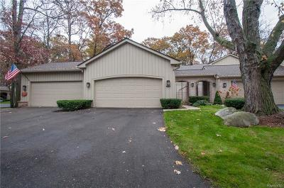Bloomfield Twp Condo/Townhouse For Sale: 1230 Manorwood Circle
