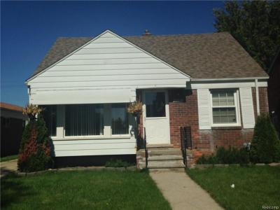 Eastpointe Single Family Home For Sale: 15353 Sprenger Avenue