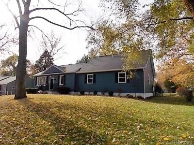 Rochester Hills Single Family Home For Sale: 2854 York Road