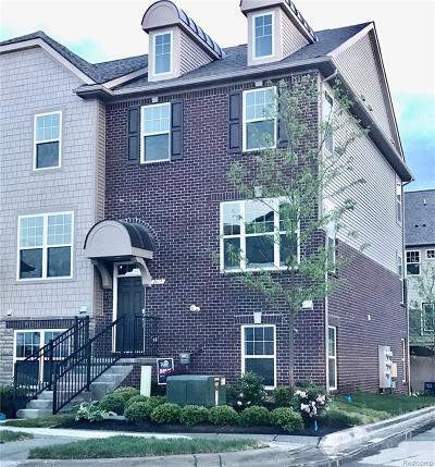 Rochester Hills Condo/Townhouse For Sale: 2617 Helmsdale Circle #62