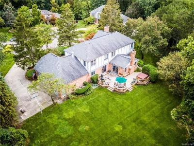 Bloomfield Hills Single Family Home For Sale: 2474 Hunters Pond