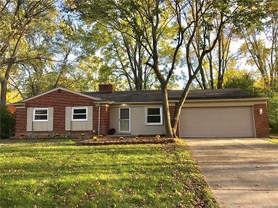 Southfield Single Family Home For Sale: 18731 Bainbridge Drive