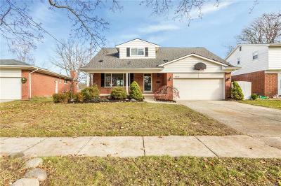 Livonia Single Family Home For Sale: 16448 Riverside Street