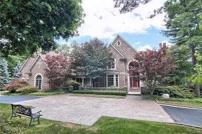 Bloomfield Hills Single Family Home For Sale: 23 Pine Gate