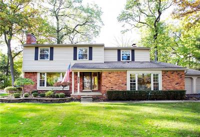 Bloomfield, Bloomfield Hills, Bloomfield Twp, West Bloomfield, West Bloomfield Twp Single Family Home For Sale: 5600 Woodland Pass