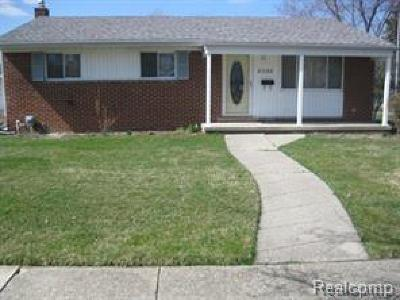 Sterling Heights Single Family Home For Sale: 2006 Parliament Drive