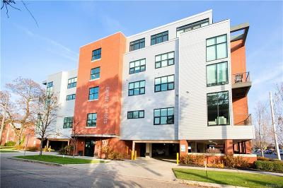 Royal Oak Condo/Townhouse For Sale: 100 N Center Street #201