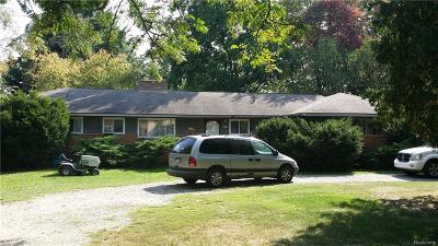 Waterford Twp Single Family Home For Sale: 6741 Highland Road