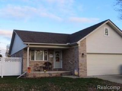 Single Family Home For Sale: 831 6th Street