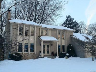 West Bloomfield Single Family Home For Sale: 7221 Westbury Boulevard