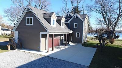 Wixom MI Single Family Home For Sale: $724,900