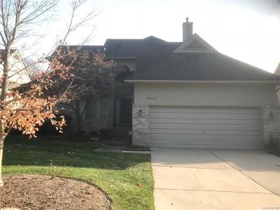 Farmington Single Family Home For Sale: 38319 Golfview