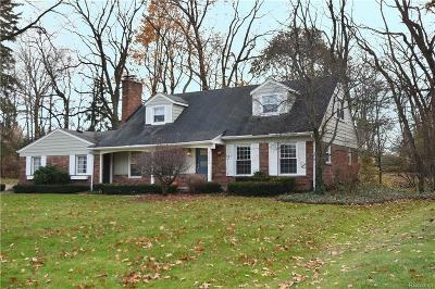 West Bloomfield Single Family Home For Sale: 4250 W Newland Drive