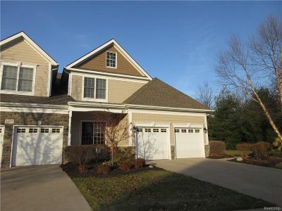 Novi Condo/Townhouse For Sale: 24870 Reeds Pointe Drive