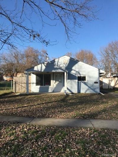 Pontiac Single Family Home For Sale: 240 W Yale Avenue